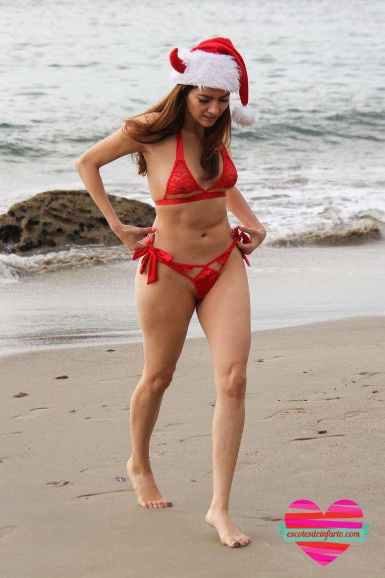 El bikini con transparencias de Blanca Blanco