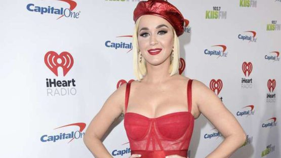 Katy Perry de Fiesta en Sostén