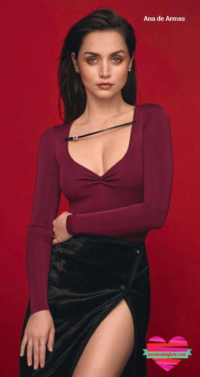 Ana de Armas con body rojo y falda de negra