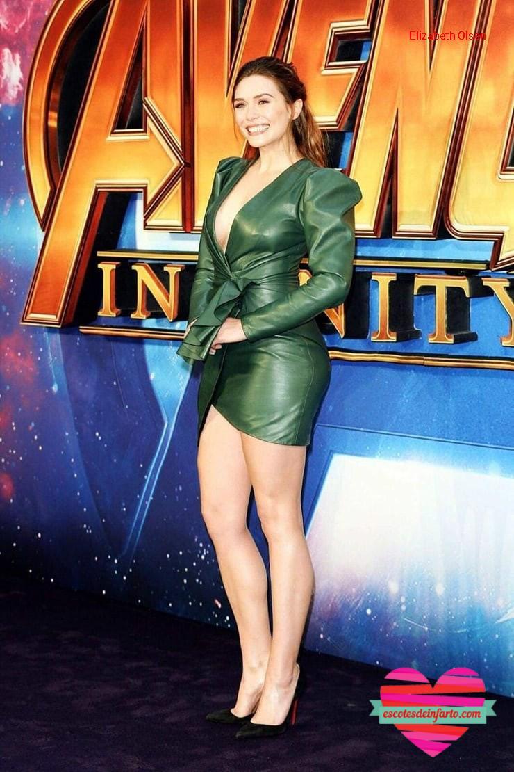 Elizabeth Olsen traje verde con minifalda y escote