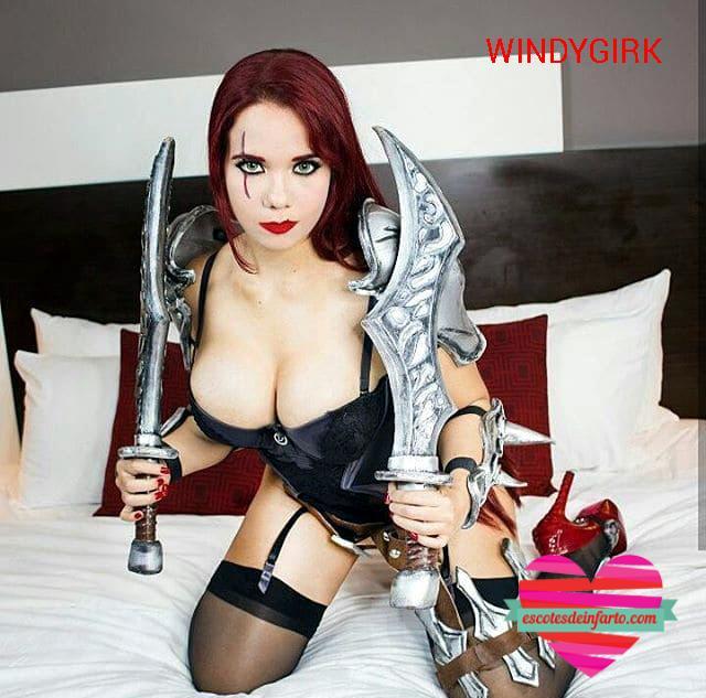 Windygirk cosplay guerrera sexy en la cama