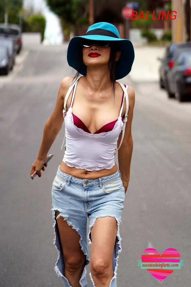 Bai Ling paseando por la calle