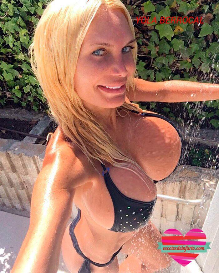 Yola Berrocal selfie en la ducha